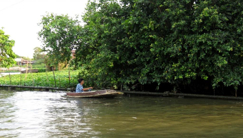 Mormor ved floden