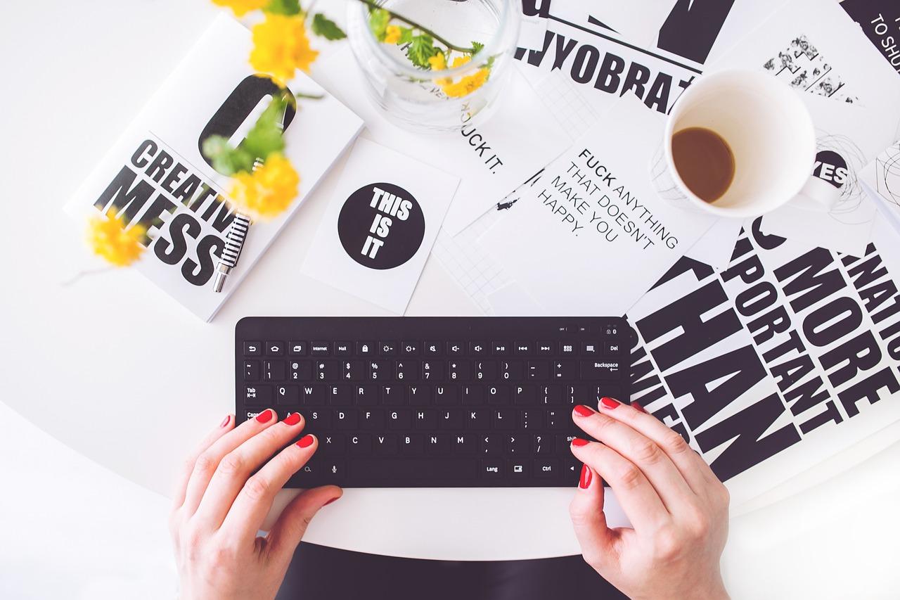 Blogging (billede fra pixelbay)