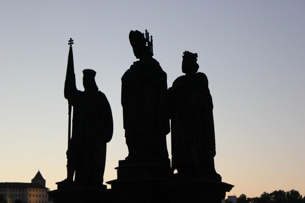 Statuerne på Karlsbroen